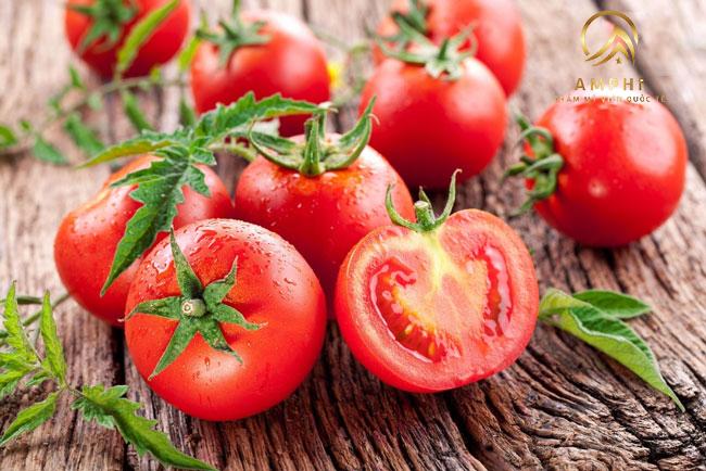 Trị mụn bằng cà chua, đơn giản mà hiệu quả khó ngờ