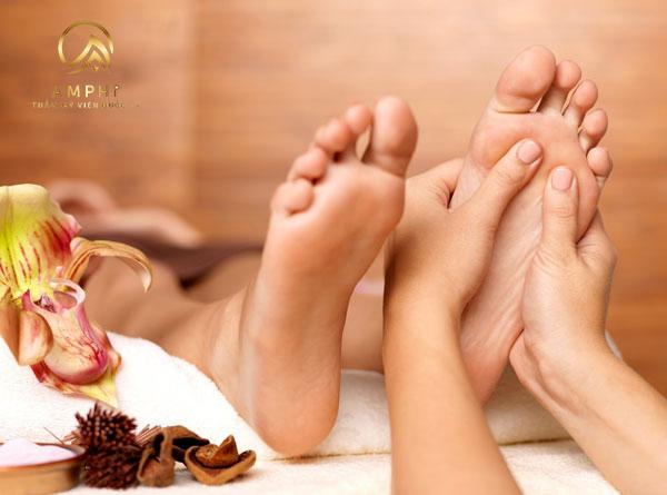 Kỹ thuật mát xa chân chuyên nghiệp như spa